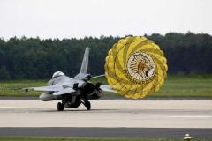 Bonenberg-Design-F16-Parachute_04